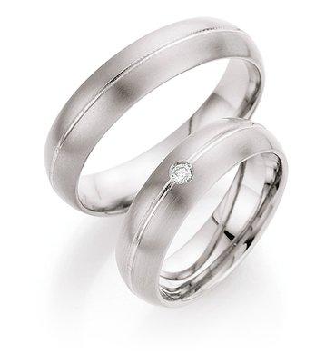 Mooye trouwringen in titanium per paar