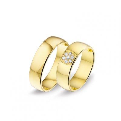 Mooye trouwringen in 8 karaat met diamanten per paar