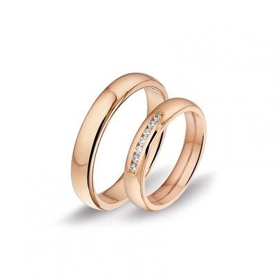 Mooye trouwringen in 14 karaat 585 roségoud met diamanten per paar