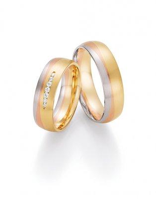 Mooye trouwringen serie Rainbow in tricolour 14 karaat goud met diamanten per paar