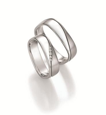 Mooye trouwringen zilver inclusief diamant per paar