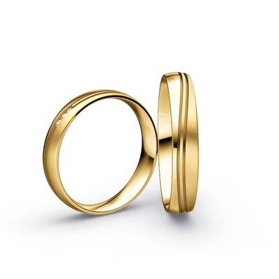 Mooye trouwringen in 18 karaat 750 geelgoud en diamanten per paar