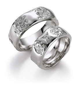 Mooye trouwringen in 14 karaat 585 witgoud per paar